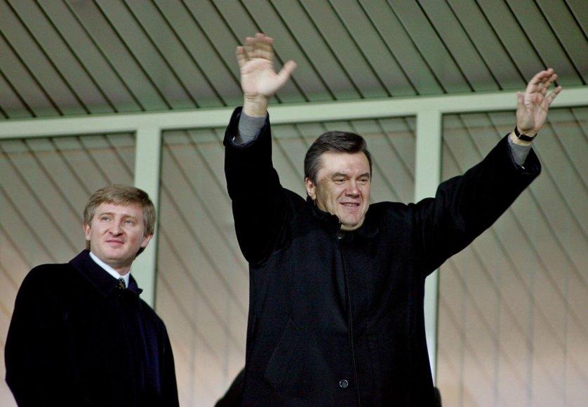 Rinatas Achmetovas su Viktoru Janukovyčium