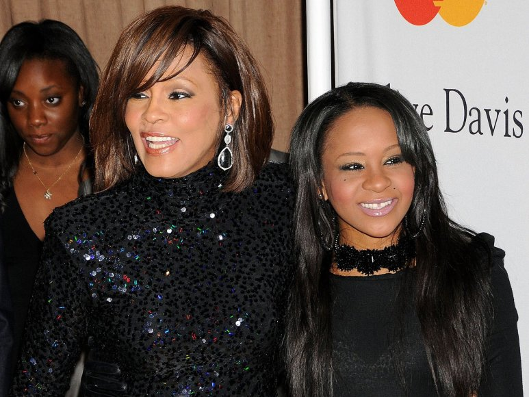 Whitney Houston su dukra Bobbi Kristina Brown (2011 m.)