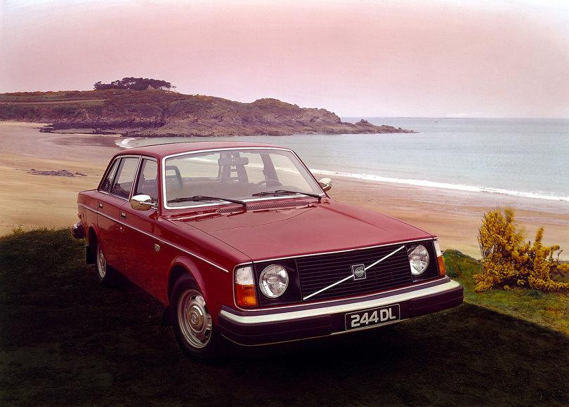 """Volvo 240"""