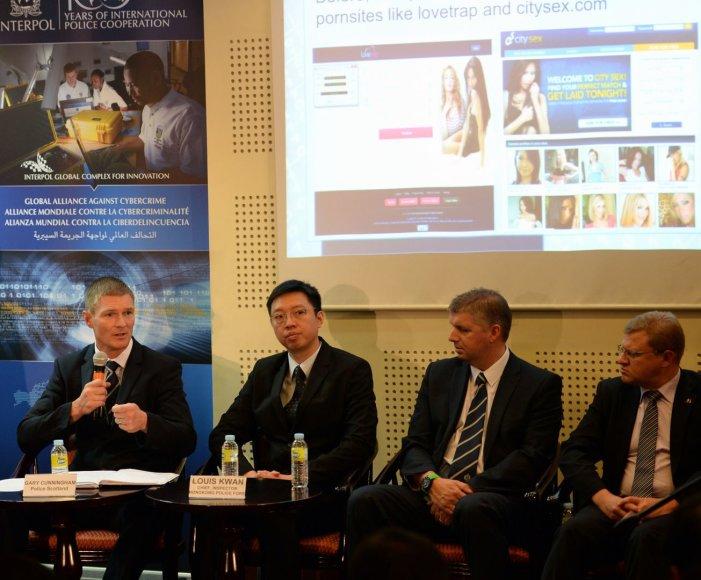 Spaudos konferencija Filipinuose