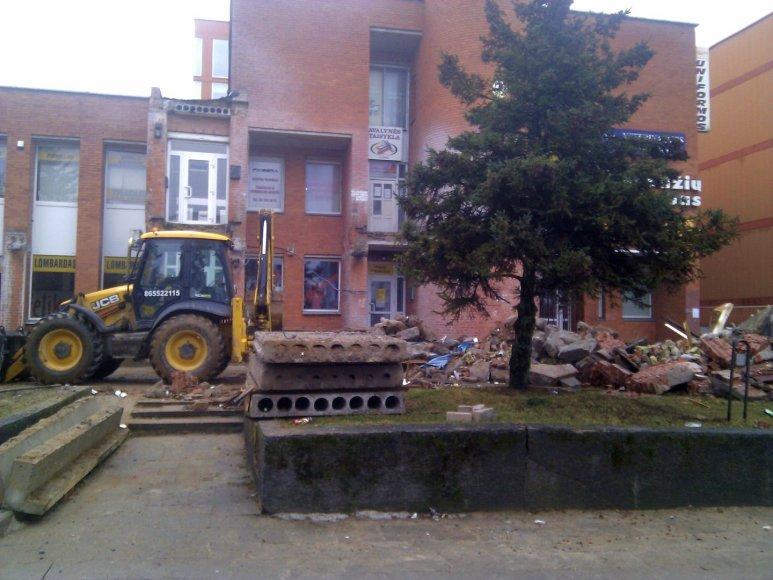 Griaunami pastatai Šeškinėje 2014 m. vasario 21 d.