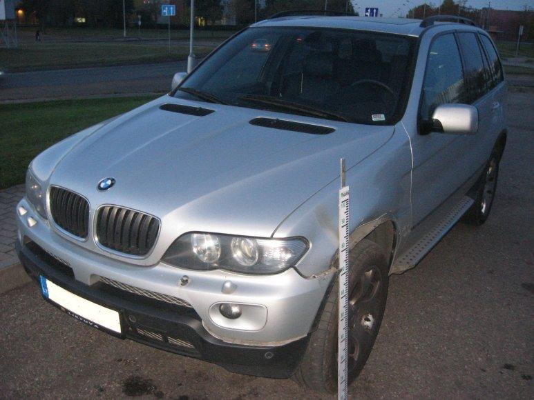 Kaune apgadintas BMW X5