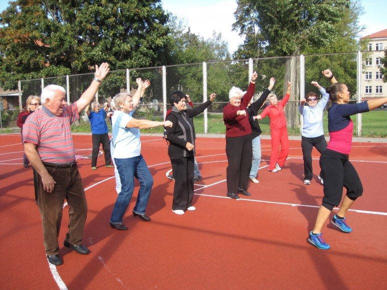 Klaipėdos senjorai visą spalį kviečiami kartu sportuoti.