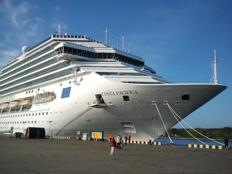 """Į Klaipėdą atplaukė kruizinis laivas """"Costa Pacifica"""""""
