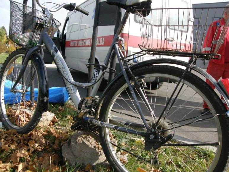Raudondvaryje staiga mirė dviratininkas