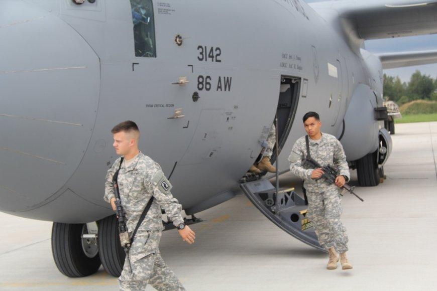 Į Lietuvą atvyko trečioji JAV karių pamaina