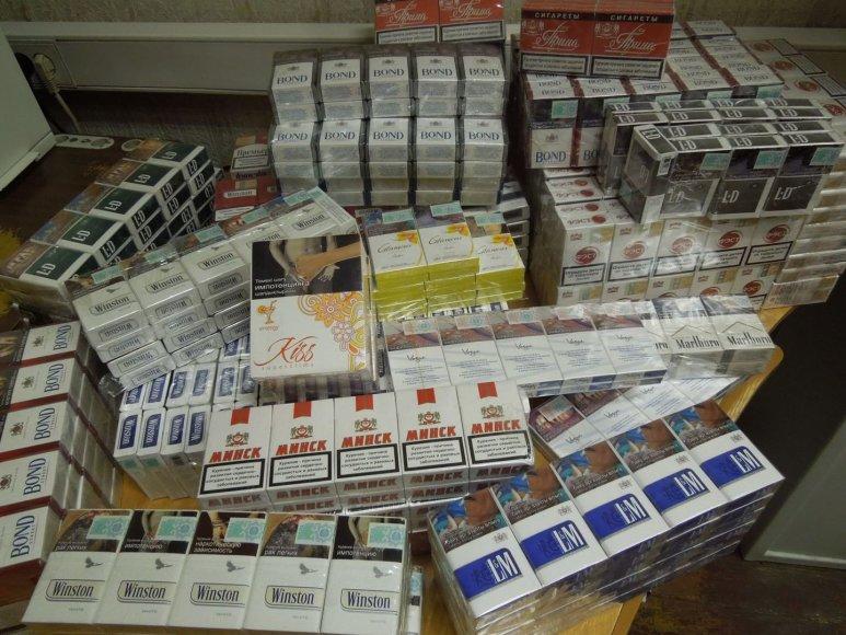 Klaipėdos pašte aptikta kontrabandinių cigarečių, atkeliavusių iš Kazachstano, Baltarusijos bei Kirgizijos.
