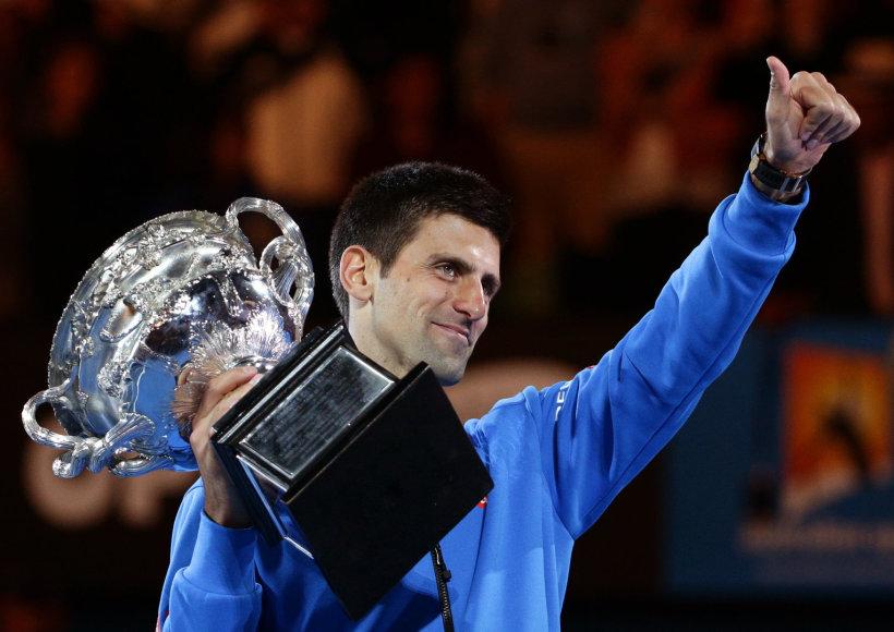 """Novakas Džokovičius penktą kartą laimėjo """"Australian Open"""" turnyrą"""