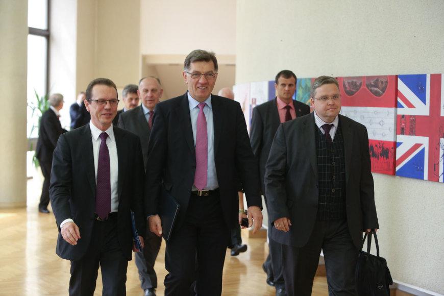 Iš kairės: Algirdas Šemete, Algirdas Butkevičius, Vitas Vasiliauskas