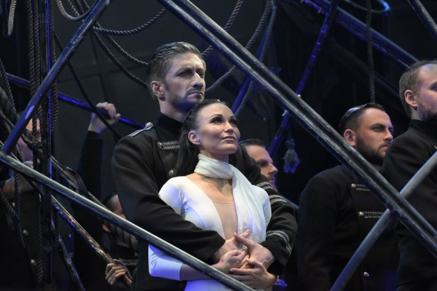 """Anželikos Cholinos spektaklio """"Otelas"""" akimirka"""