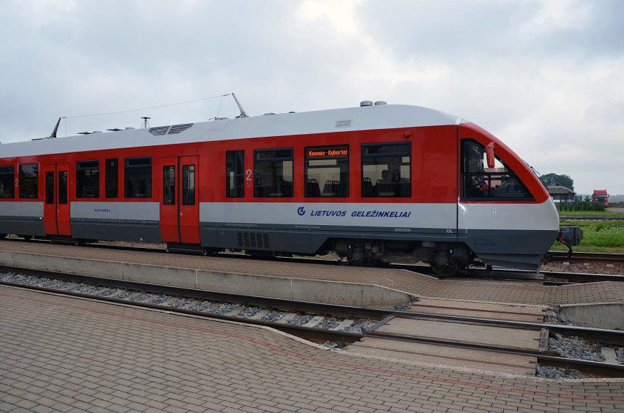 Vilkaviškio (Didžiųjų Šelvių) geležinkelio stotis, traukinys Kaunas-Kybartai