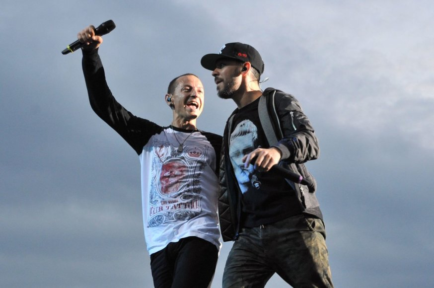 """Scanpix""/""PA Wire""/""Press Association Images"" nuotr./Chesteris Benningtonas ir Mike'as Shinoda iš ""Linkin Park"""