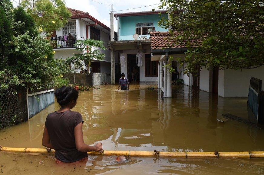 Šri Lankoje potvyniai nusinešė mažiausiai 146 žmonių gyvybes