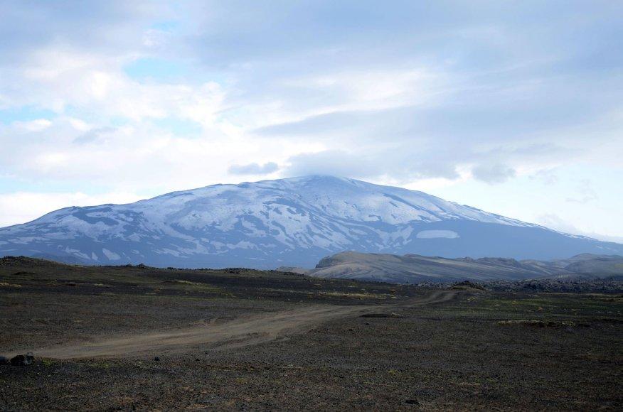 Helkos ugnikalnis į rytus nuo Reikjaviko