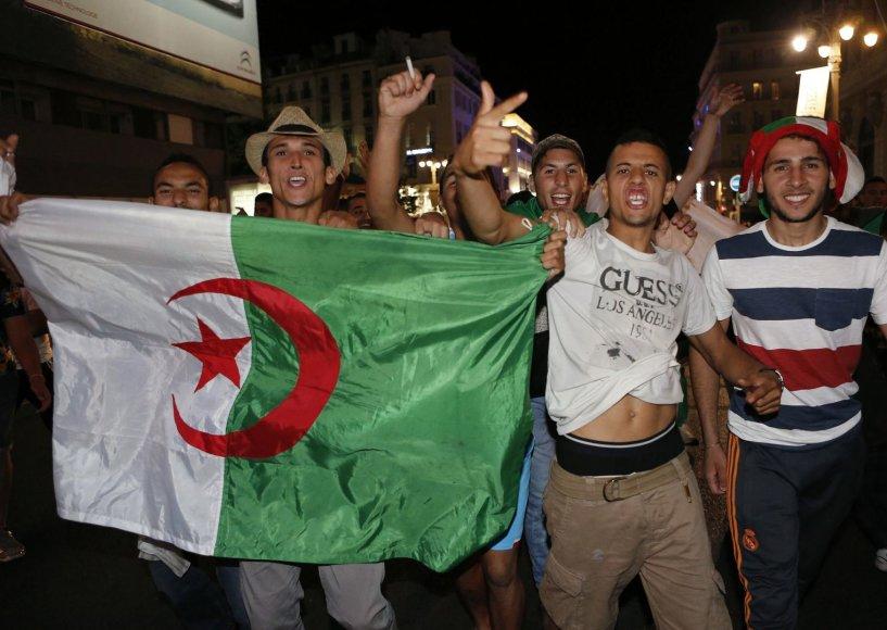 Prancūzijoje po Alžyro rinktinės pralaimėjimo buvo laukta emigrantų riaušių