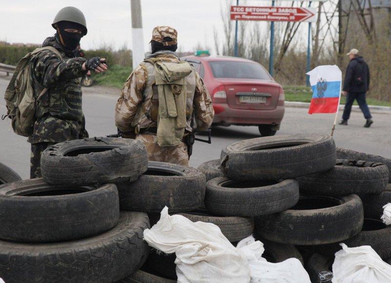 Prorusiški kovotojai jau blokuoja kelius