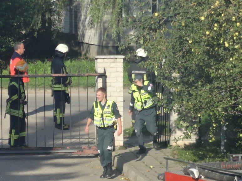 Širvintose tramadyti chuliganą prireikė ir policijos, ir ugniagesių