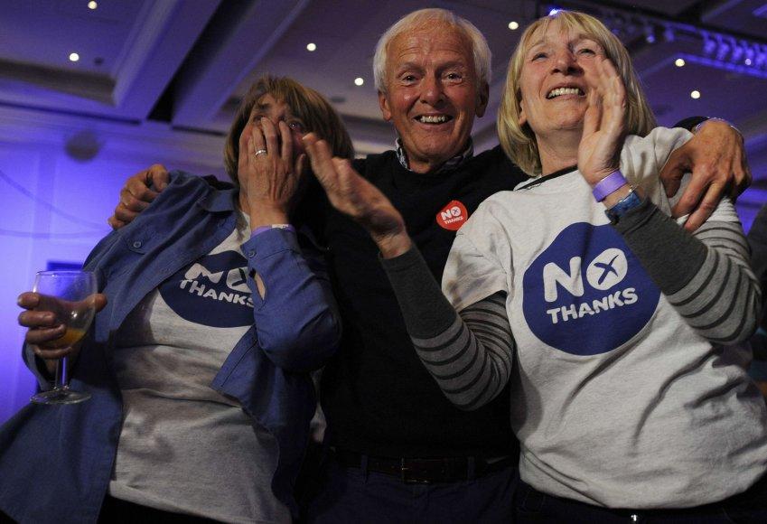 Škotijos nepriklausomybės priešininkų džiaugsmas sužinojus referendumo rezultatus.