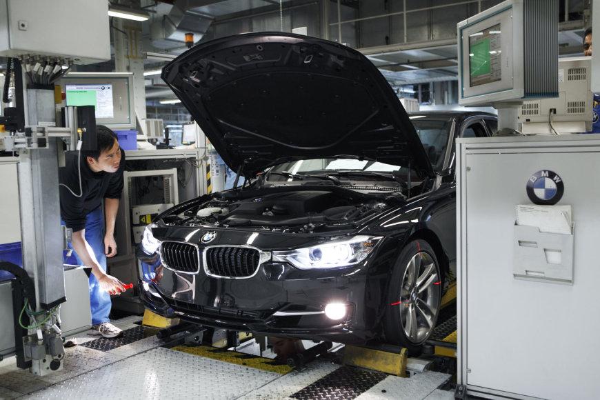 BMW naudos IBM technologijas