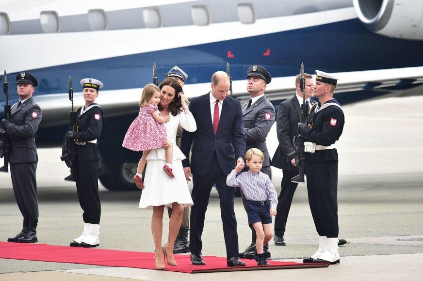 Princas Williamas ir Kembridžo hercogienė Catherine su vaikais George'u ir Charlotte