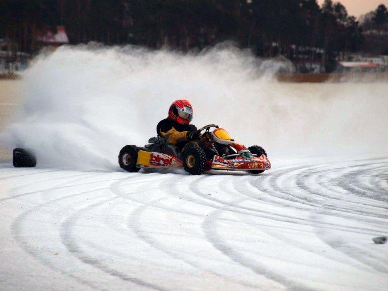 """P1 racing"" treniruotė ant ledo"
