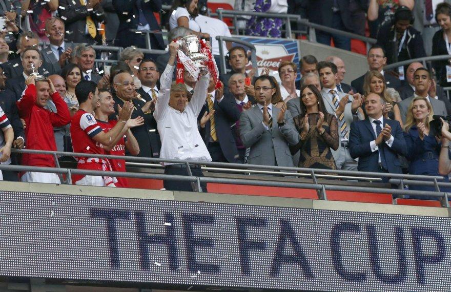 FA taurė Arsene'o Wengero rankose