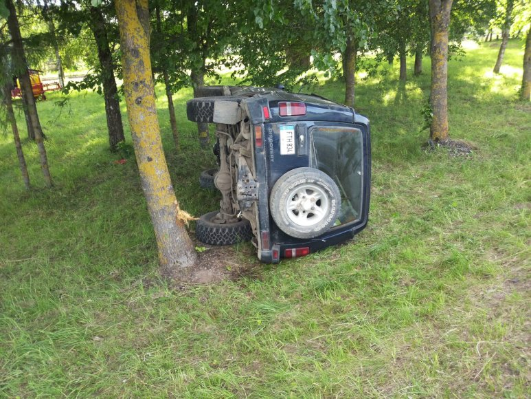 """Land Rover"" avarija"