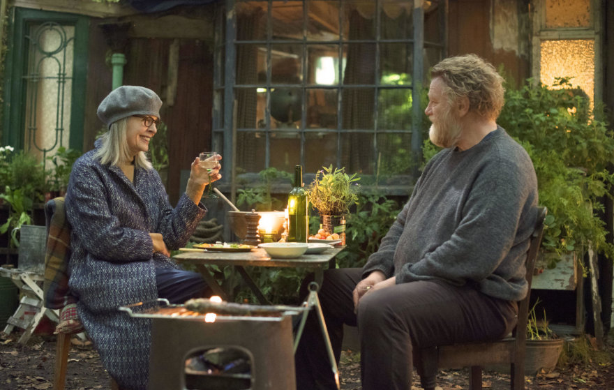 """Diane Keaton ir Brendanas Gleesonas filme """"Lūšna turtuolių rajone"""""""