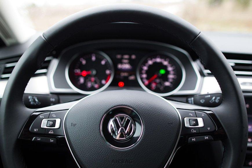 """Šeštos kartos """"Volkswagen Passat"""""""