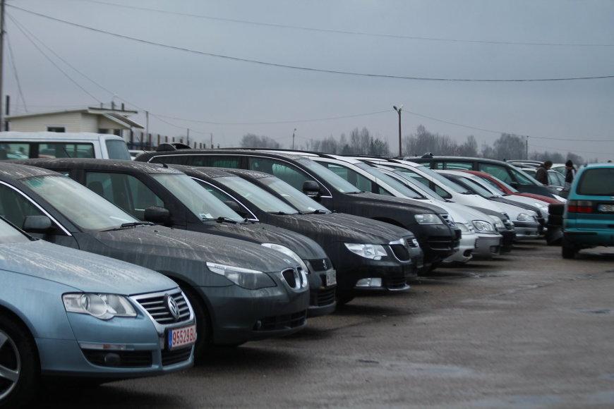Panevėžio automobilių turguje