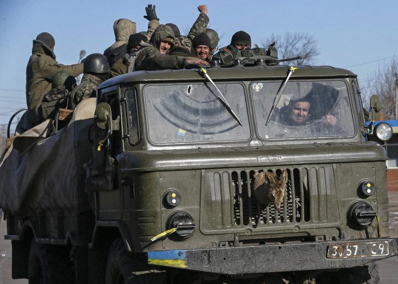 Ukrainos kariai palieka Debalcevę