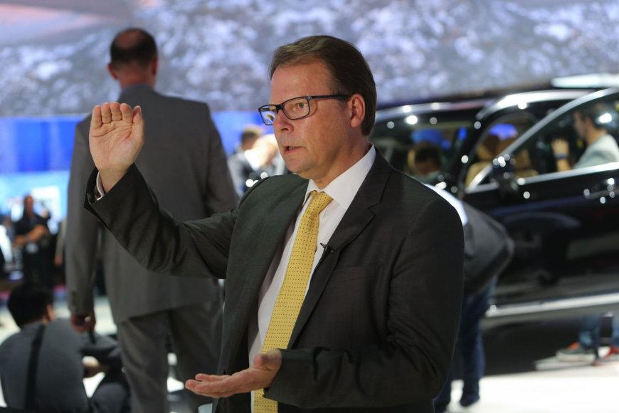 """""""Volvo"""" viceprezidentas Peteris Mertensas"""