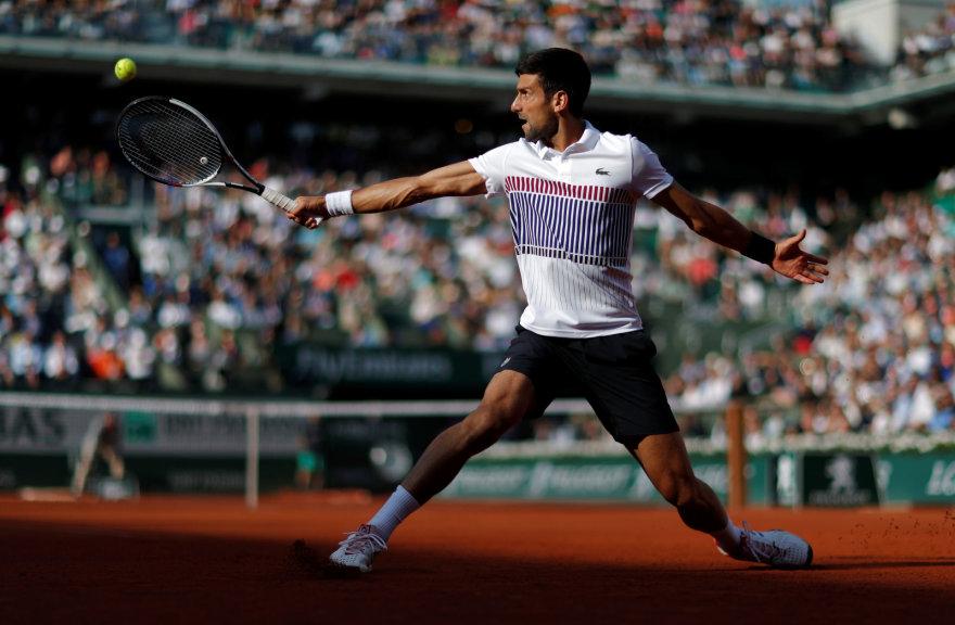 """Novakas Džokovičius 11-ą kartą karjeroje pasiekė """"Rolland Garros"""" ketvirtfinalį"""