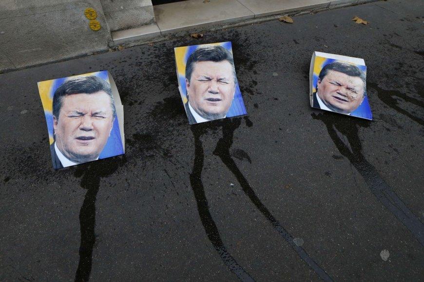 Išniekintos V.Janukovyčiaus nuotraukos