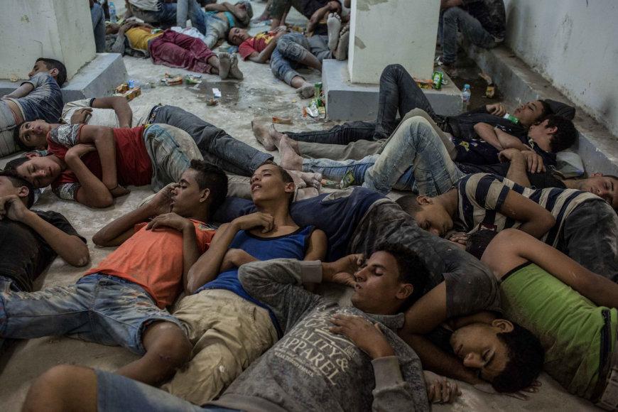Iš nuskendusio laivo išgelbėti migrantai