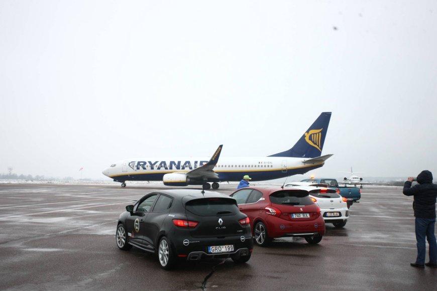 """""""Top Gear"""" Baltijos šalių metų automobilio rinkimai"""