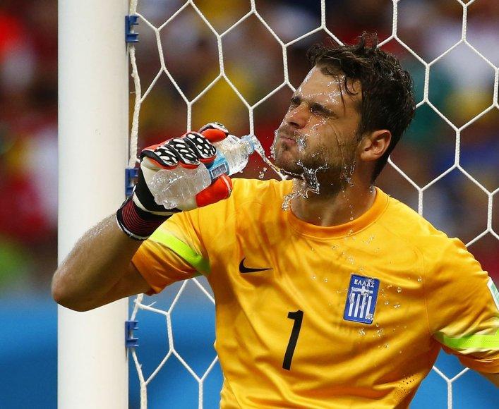 Kosta Rikos ir Graikijos bandymai įmušti įvartį aštuntfinalyje