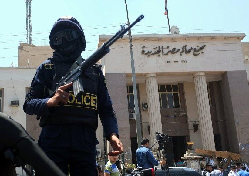Kairo metro nugriaudėjo keturių bombų sprogimai.