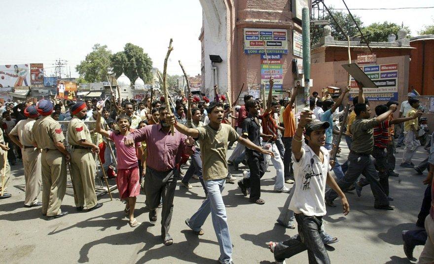 """""""Neliečiamųjų"""" kastos žmonių protestas Indijos Amritsaro mieste"""