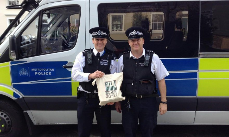 Londono pareigūnai