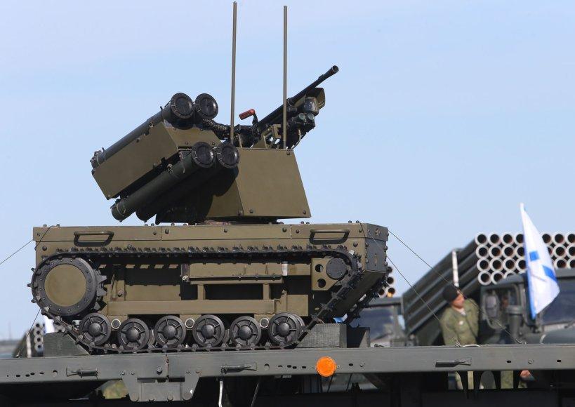Rusija į Kaliningradą žada siųsti naujus kovinius robotus