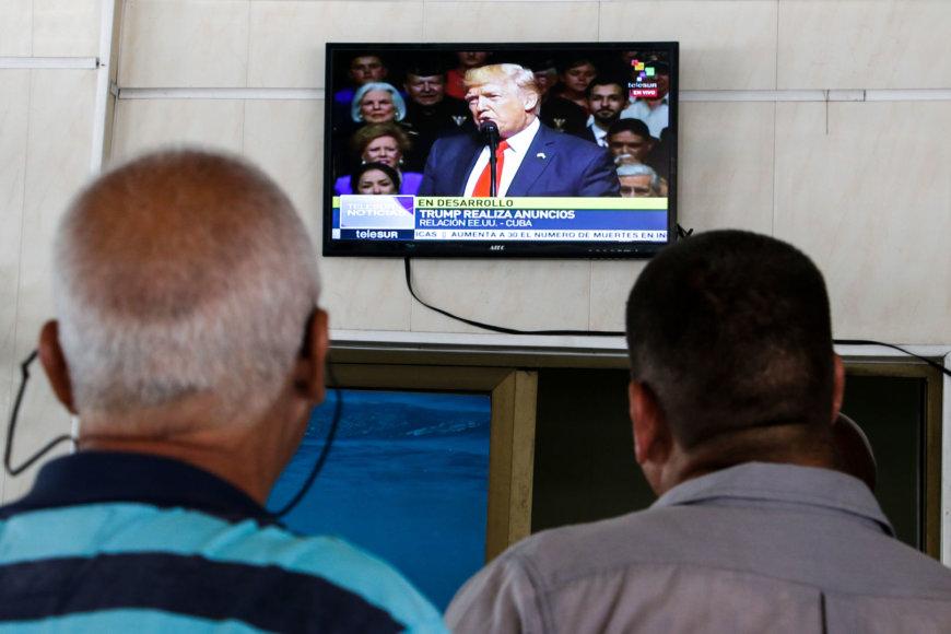 Kuboje žiūrima D.Trumpo kalba