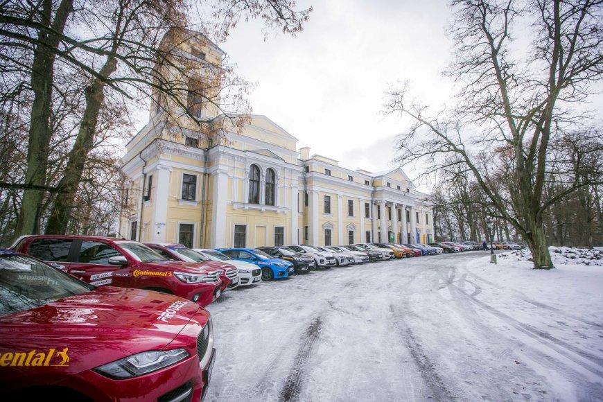 """Paskelbtas Lietuvos """"Metų automobilio 2017"""" geriausiųjų septynetukas"""