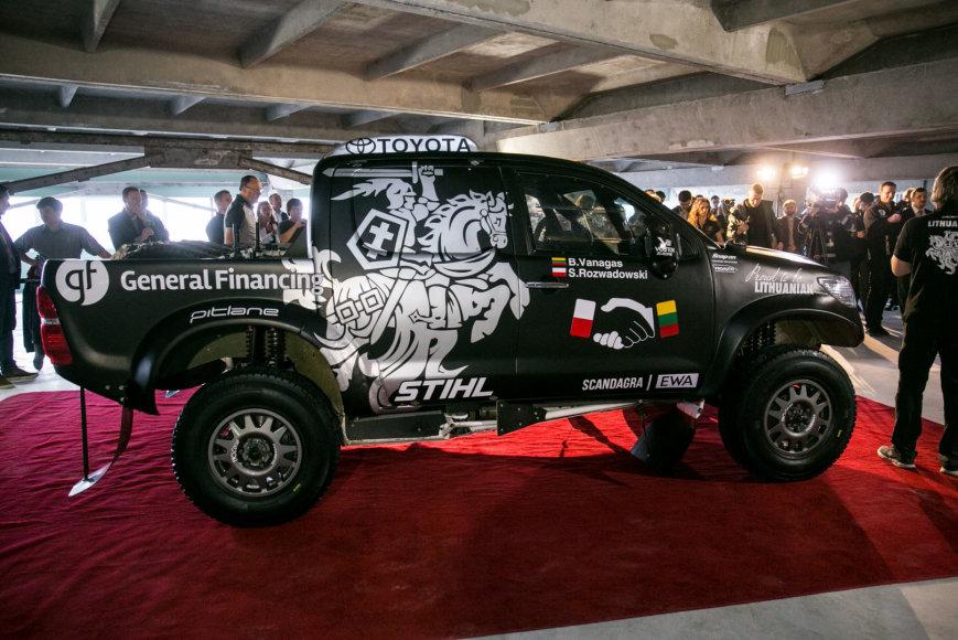Benediktas Vanagas pristatė savo Dakaro ralio automobilį
