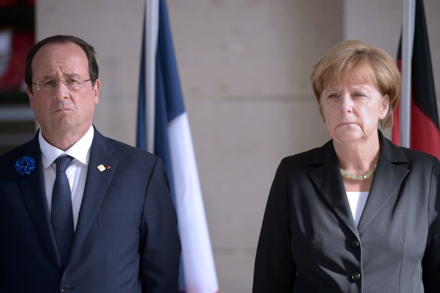 Angela Merkel ir Francois Hollande'as