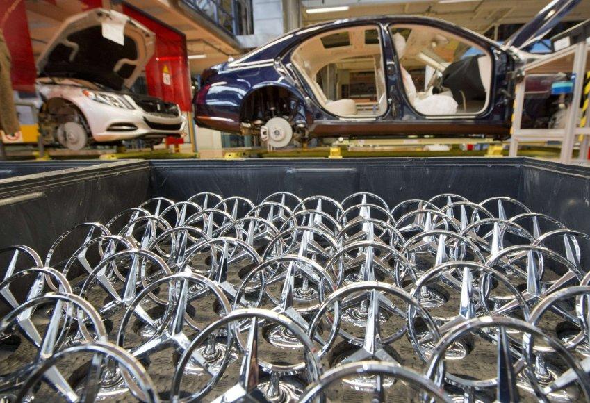 """Mercedes Benz"" gamykloje"
