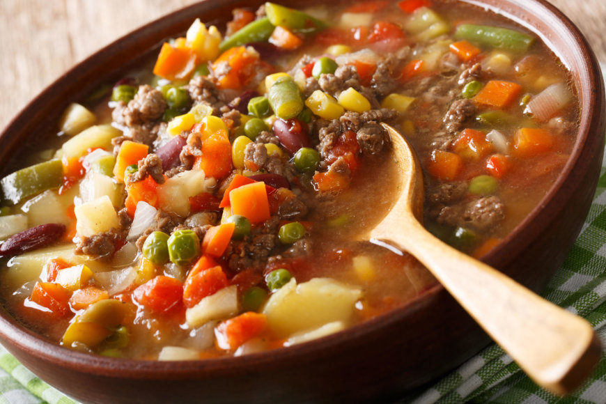 Daržovių sriuba su malta jautiena