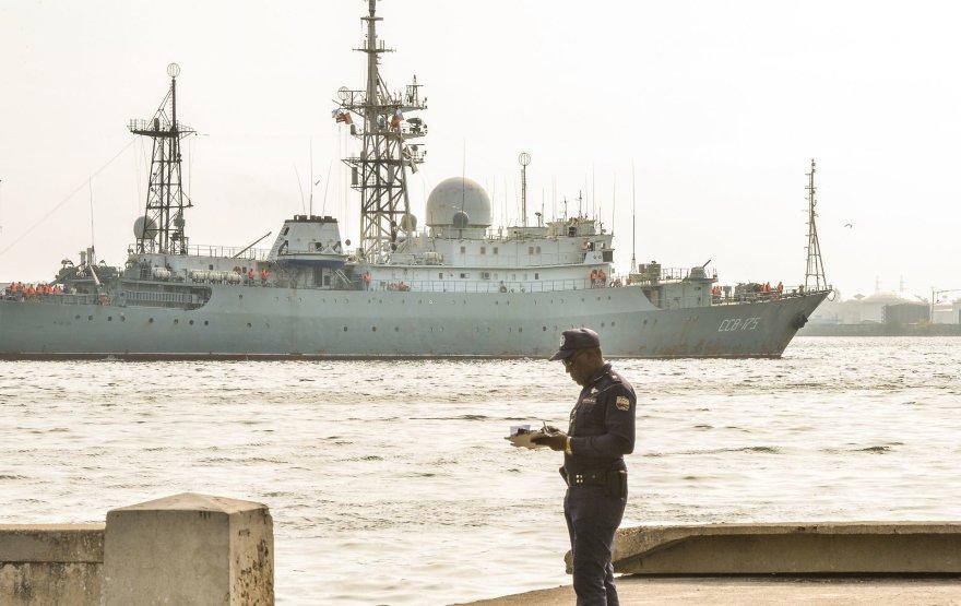 """AFP/""""Scanpix"""" nuotr./Rusijos žvalgybinis laivas """"Viktor Leonov"""" Havanoje 2014 metais"""