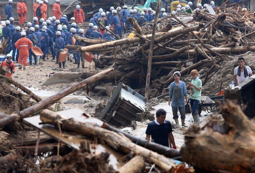 Gelbėtojai Hirošimoje ieško aukų