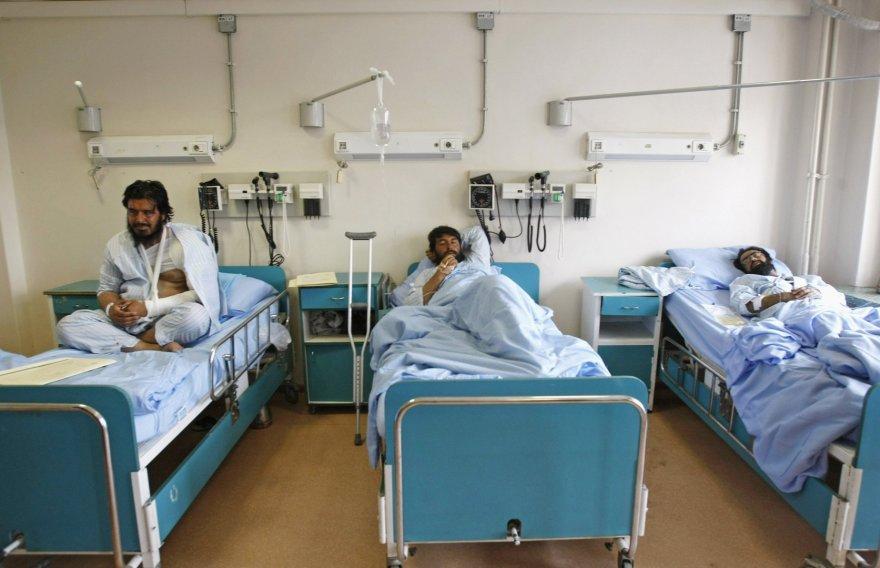 Po mirtininko išpuolio į ligoninę nugabenti nukentėjusieji